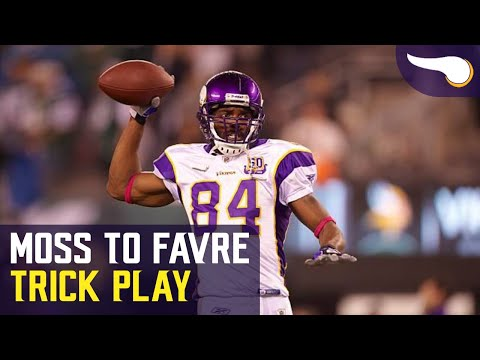 Trick Play -  Randy Moss slings it to Brett Favre (2010)