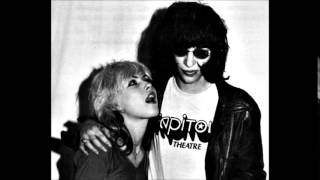 Debbie Harry & Joey Ramone... Standing In My Way
