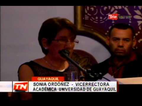 Homenaje docentes en aniversario 147 de universidad de Guayaquil