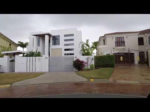 Mansion hunting on the Gold Coast!