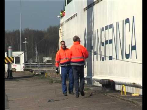 Mooring a vessel - Northern Maritime University