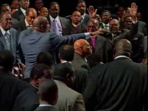 Bishop Paul Morton & Pastor Marvin Winans Bow Down