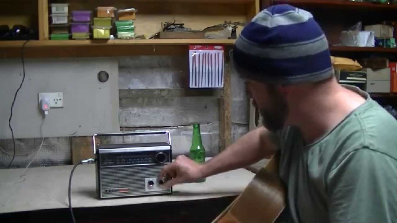 turn a radio into a guitar amp youtube. Black Bedroom Furniture Sets. Home Design Ideas