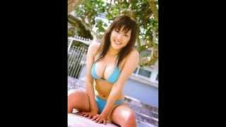 2004年頃まではグラビアアイドルの活動を主にしていた。写真集や週刊誌...
