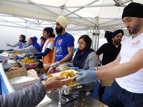 Free Indian Street Food: Puria And Potato Subzi - Langar At Vaisakhi 2017, Trafalgar Square, London.