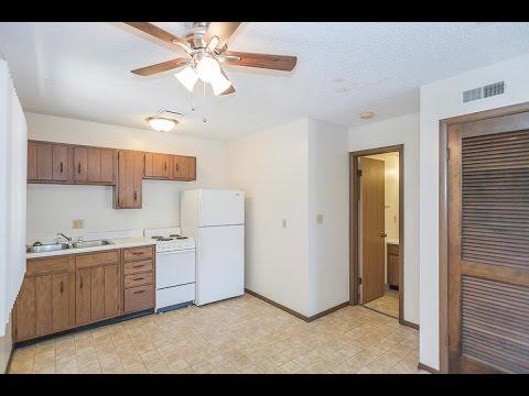 Apartment at 1327 D Street in Lincoln Nebraska - Studio Century Sales & Management For Rent