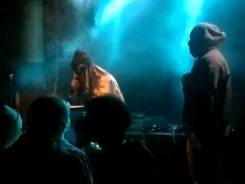 Eevil Stöö & Aztra Feat. Lommo - Lommo sanoo Stöö sanoo @ Yo-talo 24.5.2013