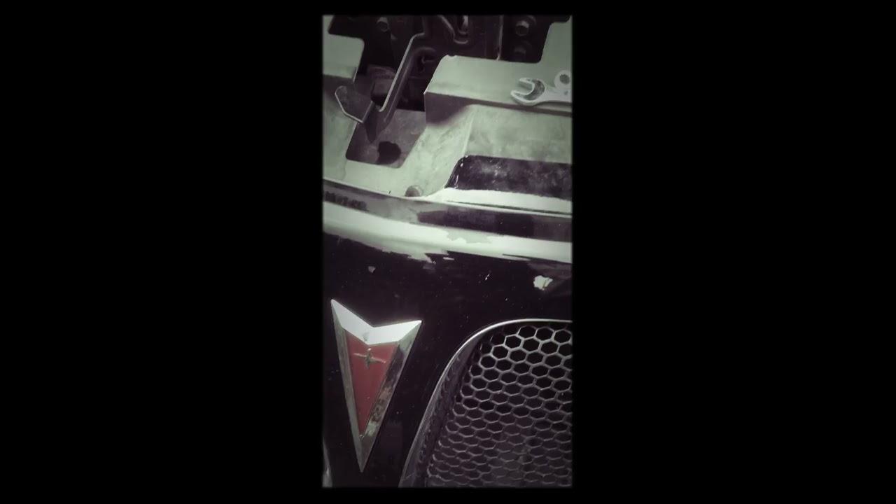 Pontiac G6 Headlight Removal Lightbulb Change