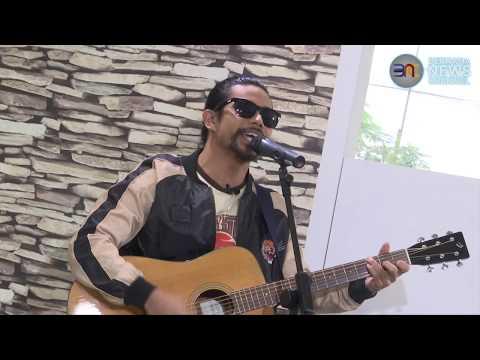 Free Download [nine11 - Segmen 'siapa Tu?'] Noh Salleh - Debu Bercahaya Mp3 dan Mp4