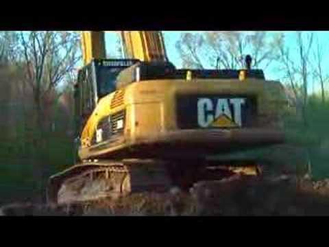 Cat 330 Excavator - Lake Operation