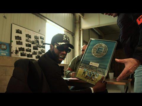 Смотреть клип Elams - Thug Life