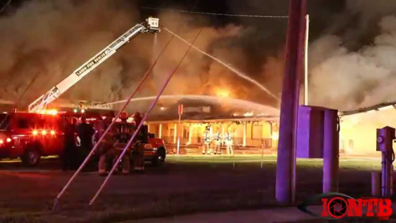 largo fire consumes multiple businesses overnight youtube