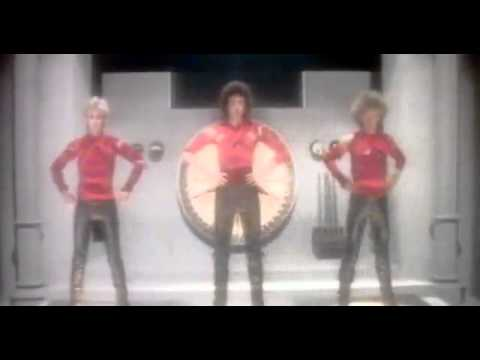 Queen - The Show Must Go On [Official Video] [HD]
