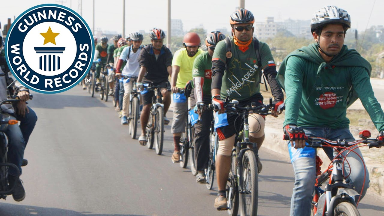 b8330795361 Longest line of moving bicycles- Guinness World Records - YouTube