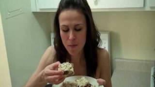 The Mini Baker - Easy Granola Bars!