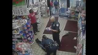 Police Fight Suspects Inside Convenience Store