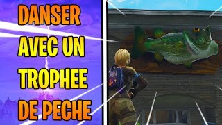 DANCE WITH A TROPHY OF FISHING IN SOME PLACES DIFFERENT FORTNITE - CHALLENGE WEEK 8 SEASON 6
