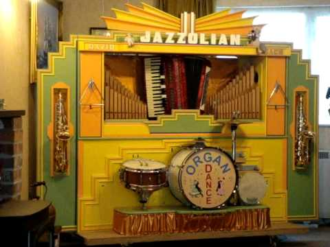 "Mechanical Organ Plays ""Atlantic Express"" - Just watch this Robot Organist!"