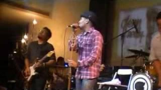 Glenn Fredly - Tega / Sedih Tak Berujung at Hard Rock Cafe Jakarta 2010