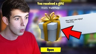 GIFTING THE ENTIRE ITEM SHOP! (Fortnite Challenge)