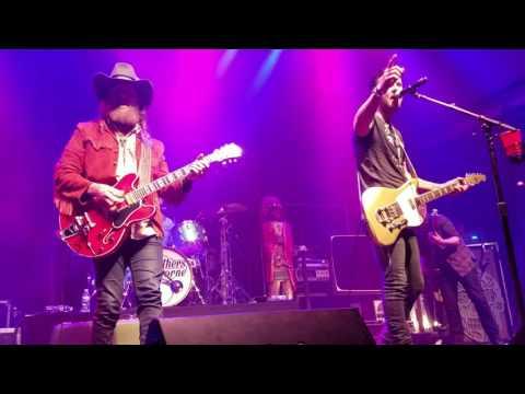 Brothers Osborne- Goodbye Earl {11/12/16} Mercury Ballroom Louisville, KY
