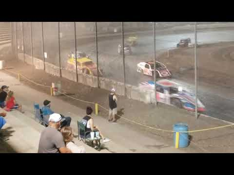 Modifieds at the Bakersfield speedway what a great show