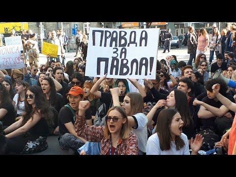 Protest učenika Filološke gimnazije zbog hapšenja nakon upada u RTS