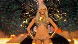 A Sneak Peek - Katy Perry performs at Victoria's Secret Fashion Show -2010 Thumbnail