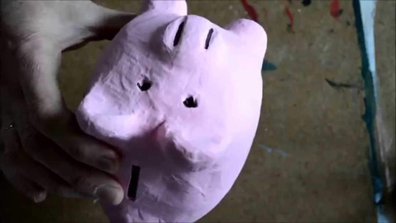 Cochon En Papier Mache Peint Et Decore Avec Des Doodles