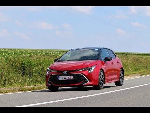 2019 TOYOTA COROLLA HYBRID HATCHBACK REVIEW // WE WANT THE GRMN!!!