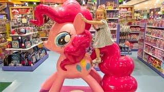 Шоппинг в Магазине игрушек и Привет победителю конкурса Покупаем Свинка Пеппа и Скай Щенячий патруль