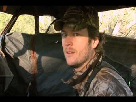 Texas Deer Hunting With Blake Shelton and Miranda Lambert