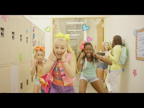 JoJo Siwa - BOOMERANG (Official Music Video)