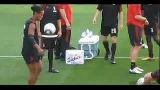 Ronaldinho y sus jueguitos