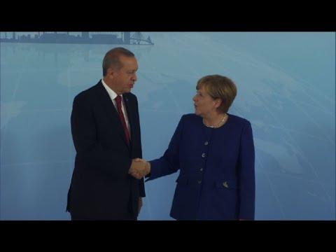 Merkel, Erdogan meet ahead of G20