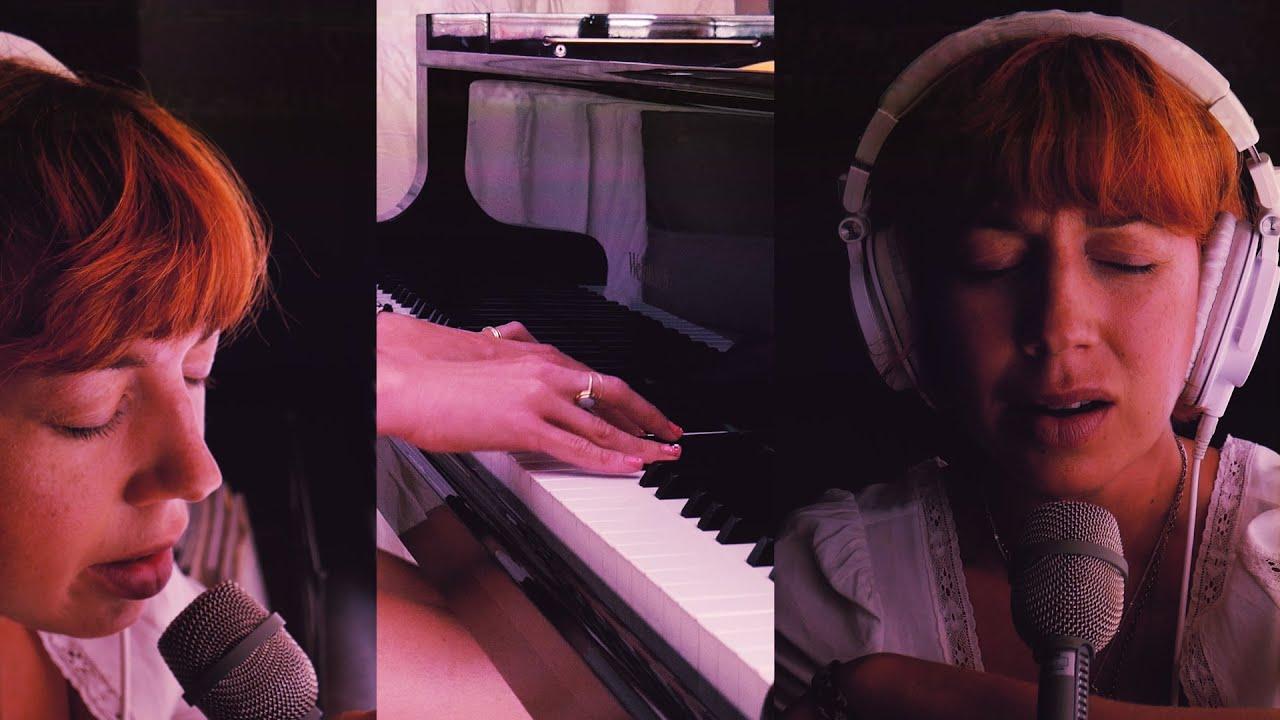 Ella Vos - Dreaming, backwards (live #athome)