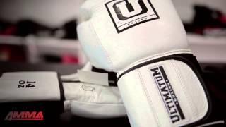 Перчатки для бокса Ultimaum Boxing: обзор от 4MMA(Экипировку московской компании Ultimatum Boxing, наделавшего много шума в боксерском сообществе России, уже назыв..., 2015-07-04T19:26:42.000Z)