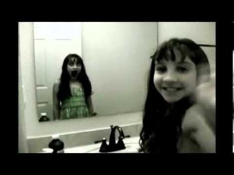 Ni a fantasma en el espejo youtube for El rincon del espejo