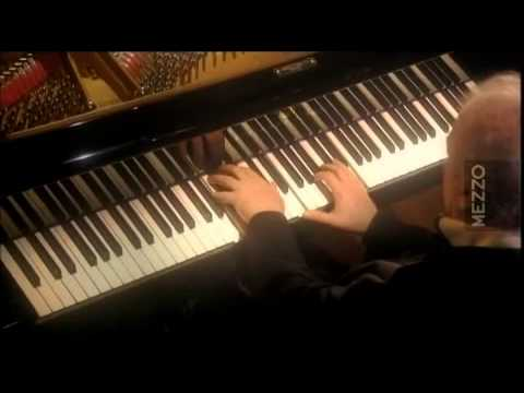 Beethoven Sonata N° 28   Daniel Barenboim