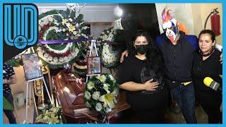 Amigos, familiares y compañeros acudieron al llamado para velar sus restos, que serán sepultados este miércoles en el panteón San Isidro, en la alcaldía de Azcapotzalco