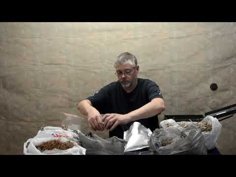 Making and storing a tinder bundle