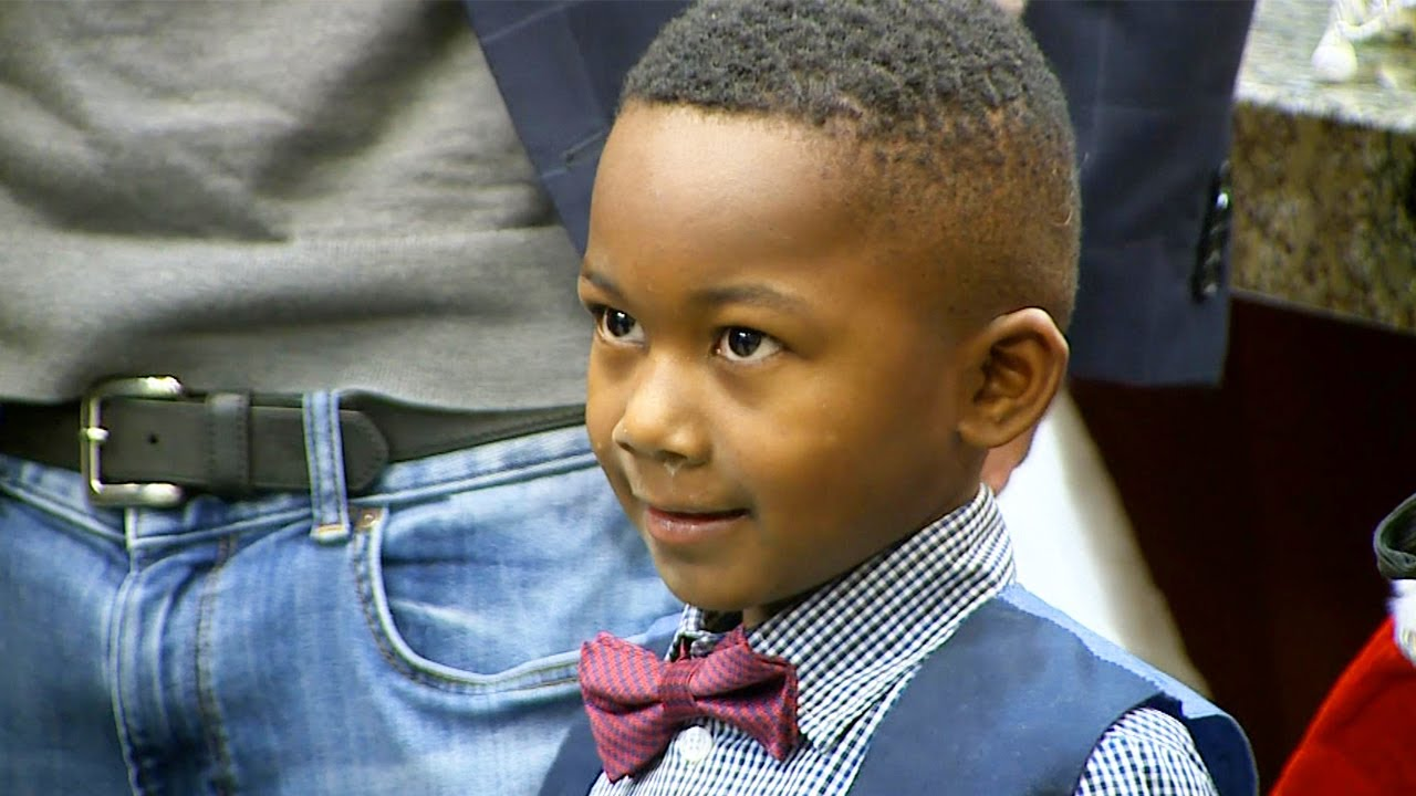 LOVE:  A Kindergarteners Entire Class Attends His Adoption