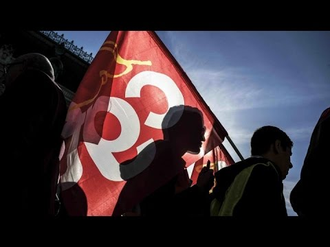 """France labour law strikes: """"we don't want to chose between job and poverty"""""""