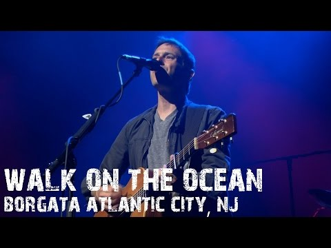 Toad The Wet Sprocket - Walk On The Ocean live Atlantic City, NJ 2014 Summer Tour