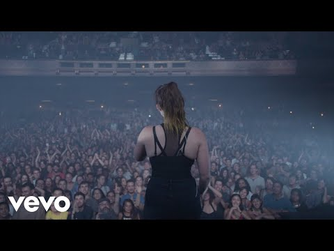 Sylvan Esso - Signal (Music Video)