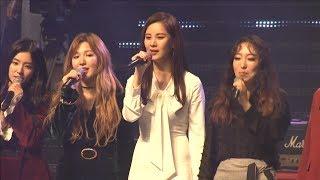 Two Koreas warm up ties with K-pop concert