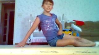 Как стать гимнасткой: как сделать переворот на локтях