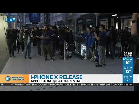 Download Youtube: Apple Store opens its doors for iPhone X release!