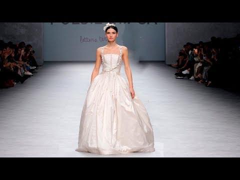 Poesie Sposa   Bridal Spring 2020   Barcelona Bridal Fashion Week. http://bit.ly/2HDu3dS