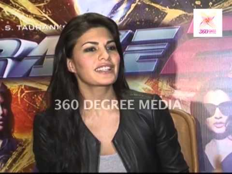 sexy-dhanno-item-girl-jacqueline-fernandez-talks-about-working-in-different-genres-in-films-race-2